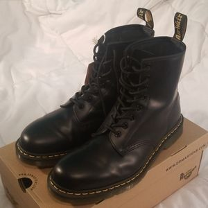 Dr. Marten's 1460 Boots Smooth (Black)